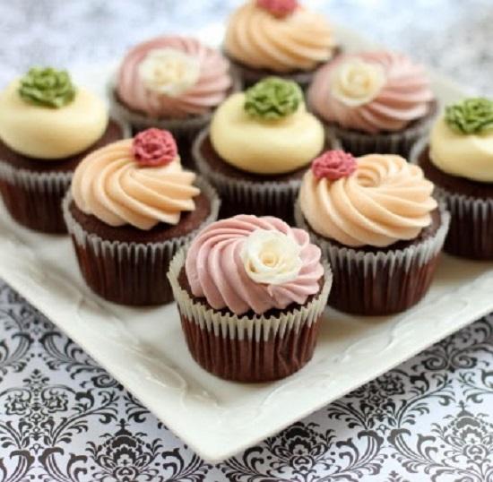 Cách làm bánh bông lan cupcake thơm ngon mà đơn giản