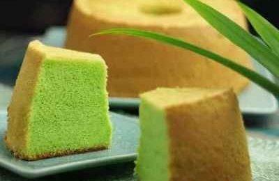 Cách làm bánh bông lan lá dứa đẹp màu, dậy hương tuyệt vời
