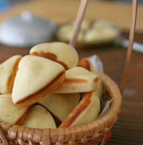 Chết mê chết mệt cách làm bánh bông lan tam giác với vẻ ngoài mượt mà 7