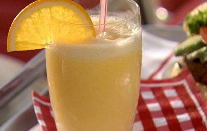 Cách làm sinh tố chuối cam mát lạnh giữa ngày hè