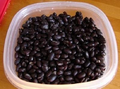 Cách làm sinh tố đậu đen độc đáo khiến ai cũng phải bất ngờ 2