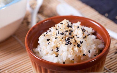 Cách nấu xôi trắng với nước cốt dừa đứng xa hàng mét vẫn dậy hương