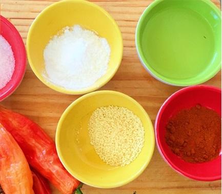 Không thể thiếu cách pha nước chấm nem chua rán chua cay mặn ngọt này 2