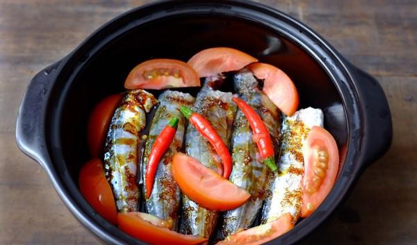 Chi tiết các bước kho cá nục kiểu miền Trung ngon ngọt tuyệt vời 3