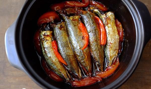 Chi tiết các bước kho cá nục kiểu miền Trung ngon ngọt tuyệt vời 4