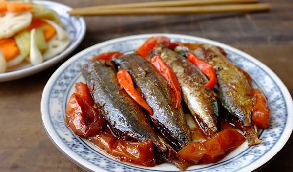 Chi tiết các bước kho cá nục kiểu miền Trung ngon ngọt tuyệt vời 5