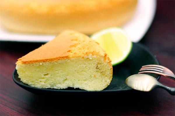 Cách làm bánh bông lan bắp tại nhà ngon như ngoài hàng