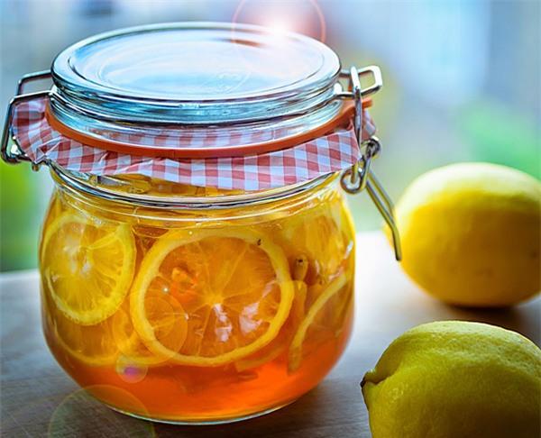 Giải nhiệt, chữa ho với cách làm chanh ngâm đường