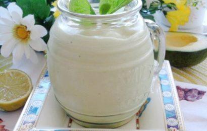 Cách làm sinh tố sữa chua ngon, hấp dẫn để giải nhiệt ngày hè