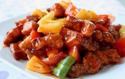 Cách làm thịt lợn chiên giòn sốt dứa đổi vị cho ngày cuối tuần