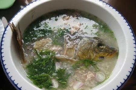 Cách nấu cháo cá chép nguyên con nhìn hấp dẫn, ăn no nê 1