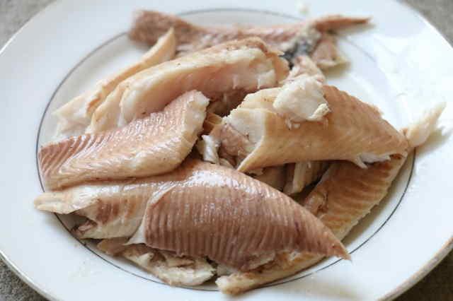 Cách nấu cháo cá chép cho bé ăn dặm