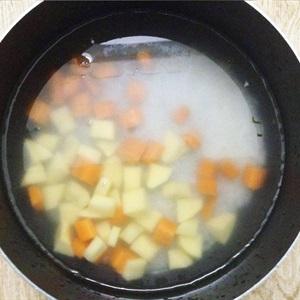 Chi tiết cách nấu cháo thịt băm tía tô ngon theo kinh nghiệm của emvaobep 4