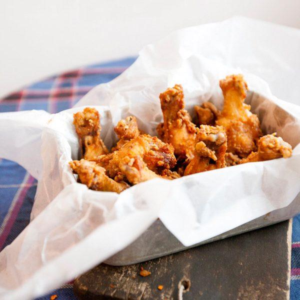 Mách bạn món cánh gà chiên muối ớt rất kích thích vị giác người ăn 1
