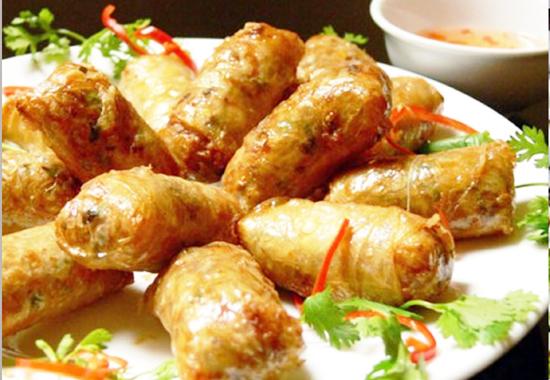 Các bước làm món chả bánh đa nem truyền thống của người Việt 1