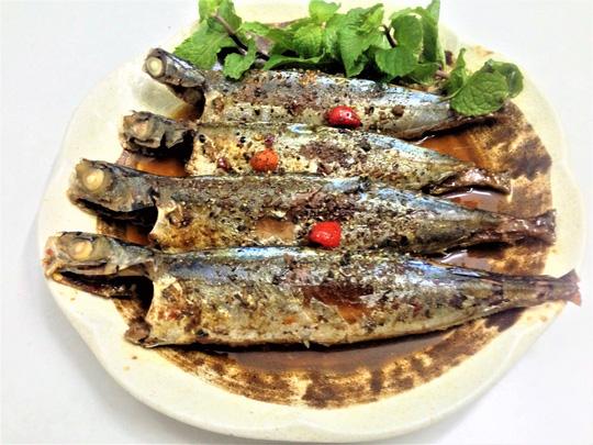 Khám phá cá biển kho tiêu dậy hương hấp dẫn cho mùa đông lạnh 1