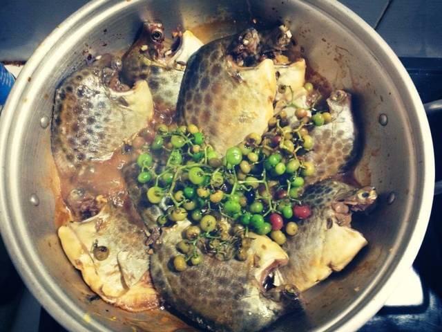 Cách kho cá nâu ngon chuẩn vị Cà Mau không thể không thưởng thức