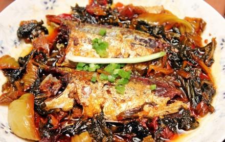 Mách bạn cách kho cá ngân thơm ngon với dưa chua kích thích vị giác