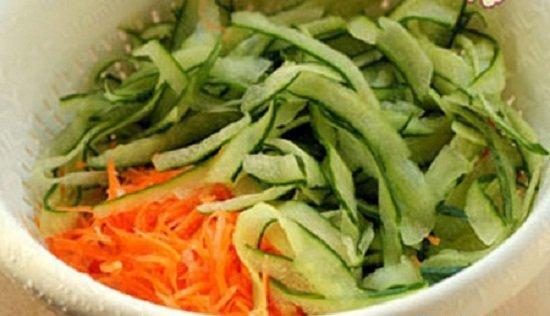 Cách làm nộm dưa chuột với cà rốt thơm mát và ngọt vị chưa từng thấy 3