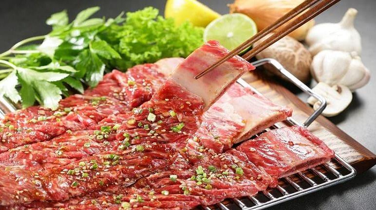 Tỉ mẩn với cách ướp thịt bò nướng sa tế chuẩn chỉnh như nhà hàng