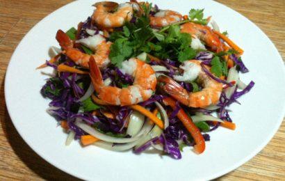 Hướng dẫn làm món gỏi bắp cải tôm thịt đang HOT