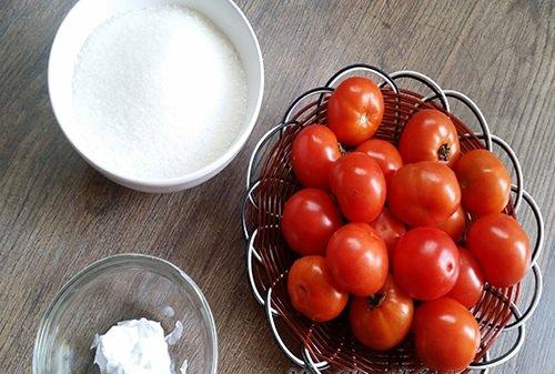 Tỉ mẩn với cách làm mứt cà chua dẻo hấp dẫn cho ngày Tết cổ truyền 2