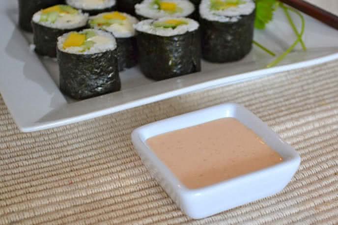 Học ngay cách pha nước chấm cơm cuộn rong biển để ăn kimbap ngon hơn