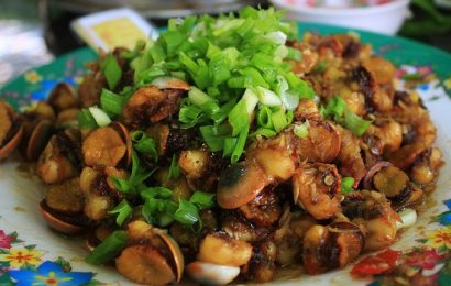 Đổi món cho cả gia đình với thịt ốc xào sả ớt cực ngon