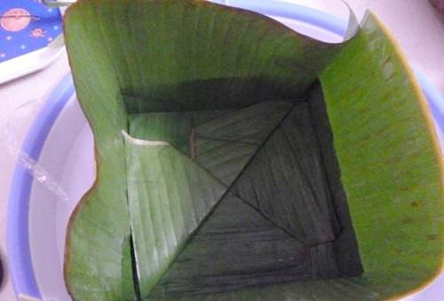 cách gói bánh chưng bằng lá chuối 2