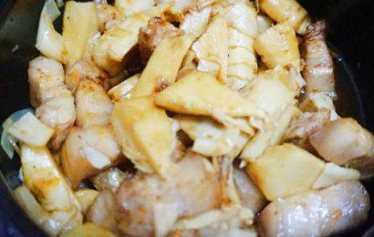 Trổ tài vào bếp thực hiện món thịt kho măng khô ngày tết
