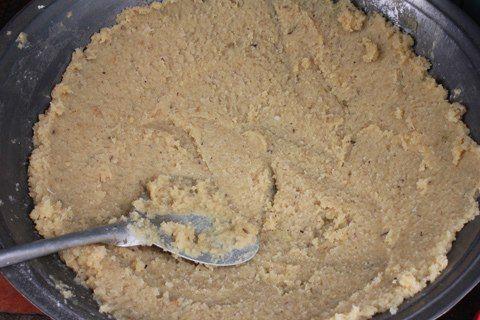 cách làm bánh tét lá dứa 2