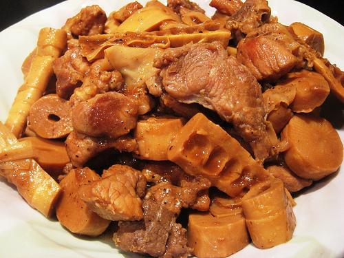 cách nấu măng khô kho thịt ngon 5