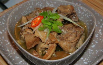 Gà hầm măng khô món ăn ngày Tết ngon tuyệt dễ làm
