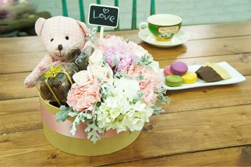 cách làm hộp quà hoa và gấu