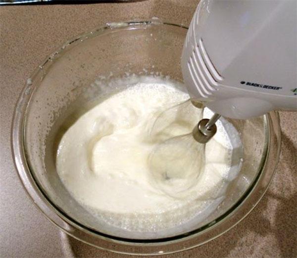 cách làm kem bằng sữa bột 4