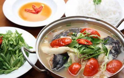 Cách làm lẩu cá lăng măng chua hấp dẫn cho những ngày cuối tuần