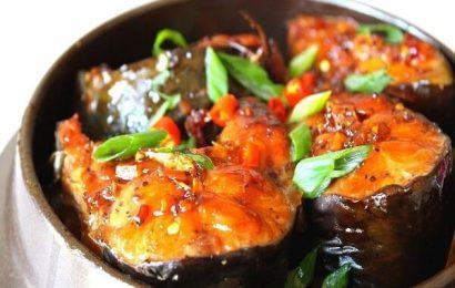 Cách làm món cá kho với nghệ đơn giản mà đậm đà đưa cơm