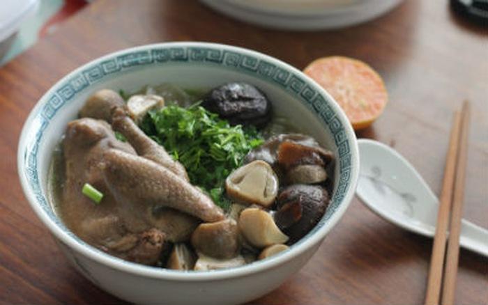 Mách bạn cách nấu chim bồ câu với miến ngon đúng điệu