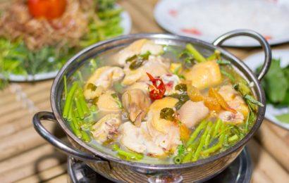 Chia sẻ cho bạn cách nấu lẩu gà măng chua ngon lạ miệng