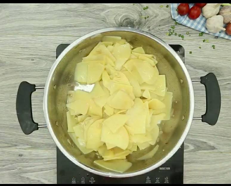 cách nấu lẩu măng chua