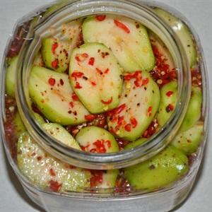 Hướng dẫn làm cóc thái ngâm chua ngọt rất dễ và ngon
