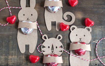 Làm chú gấu, thỏ ôm kẹo đáng yêu tặng bạn gái thêm phần lãng mạn