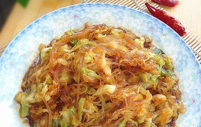 Món miến xào bắp cải giòn dai, thơm ngon đậm hương vị