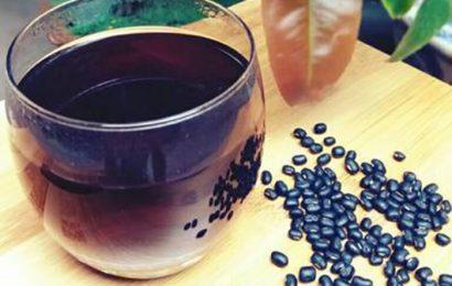 Mách bạn cách rang đậu đen làm nước uống cực bổ