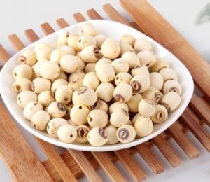 Tìm câu trả lời cho câu hỏi: cháo hạt sen nấu với gì?