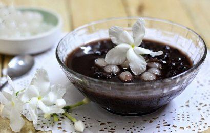 Bí quyết nấu chè đậu đen ngon mà không ngấy tại nhà