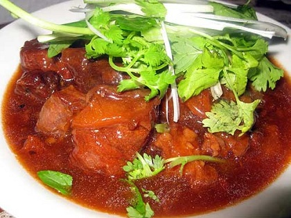 Cách nấu thịt bò sốt vang kiểu miền Bắc đơn giản mà ngon