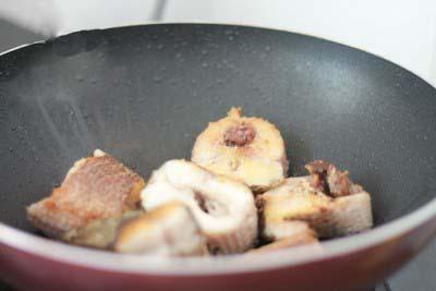Cá chép nấu măng chua 3