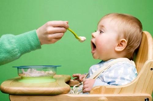 bé 9 tháng ăn cháo hạt được chưa 2