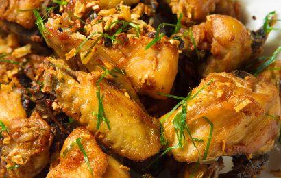 Cách kho thịt gà công nghiệp dai ngon nhất, đánh bay nồi cơm gia đình